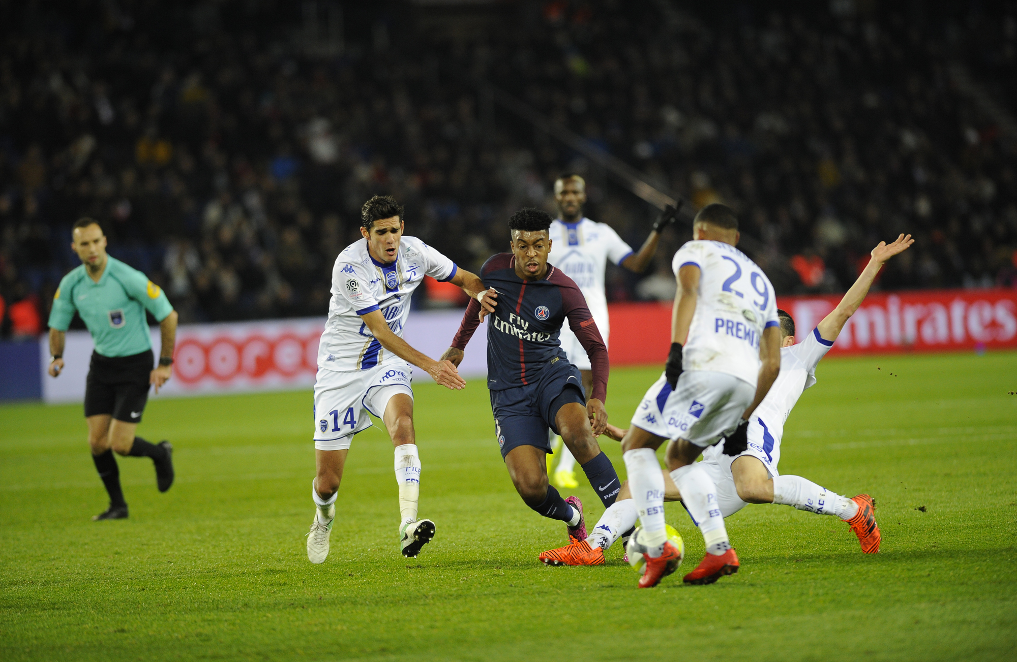 PSG 2-0 ESTAC